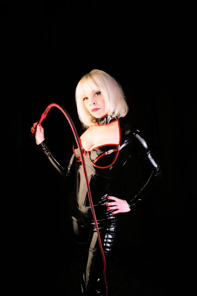Philadelphia Dominatrix Mistress Isadora